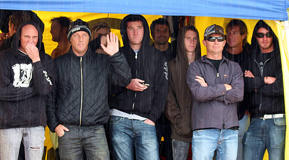 Sandshoes Boardriders in rain at King of the Beach Competition